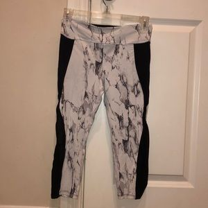 Marble workout leggings